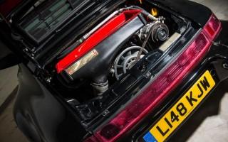 1372992_1992 Porsche 911 (964) Turbo 'S' Leichtbau engine