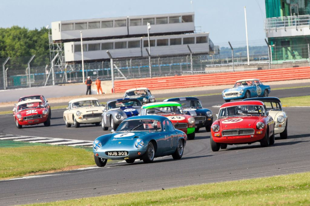 Equipe GTS draws record grids at MG Live - Auto Addicts