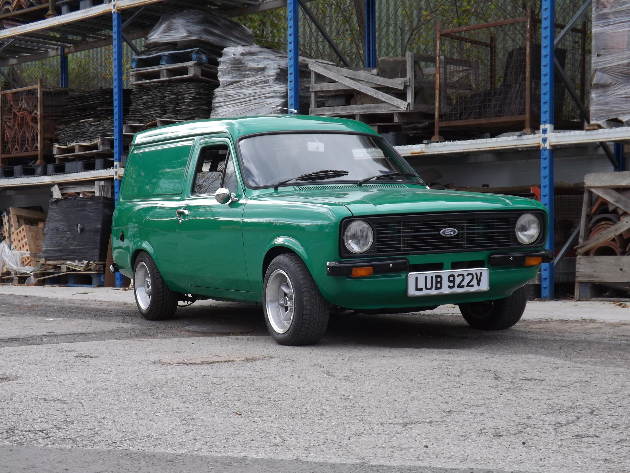 Ford Escort RS2000 Spec Van - Auto Addicts